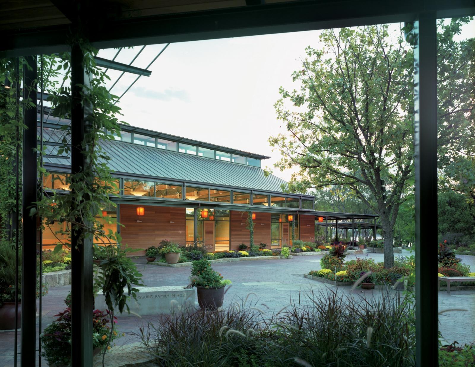 RLG Dallas Arboretum's Trammell Crow Visitor Education Pavilion